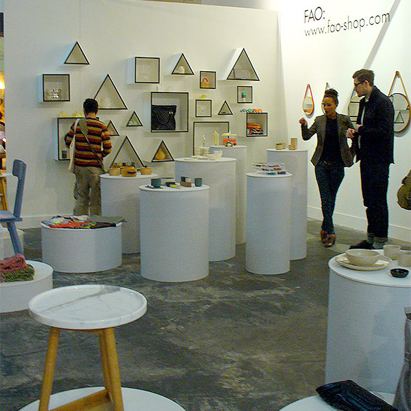Pop-Up shop - all white with triangular and square shelves